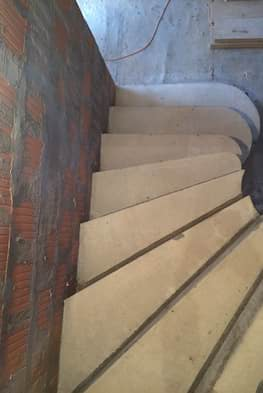 Г-образная бетонная лестница с площадкой - Фото 20
