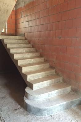 Бетонная лестница с площадкой поротов на 180 градусов стоимость 115 000 рублей