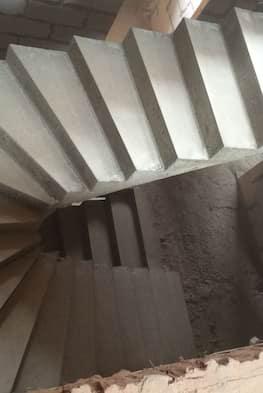 П-образная бетонная лестница с забежными ступенями - 120 000 рублей