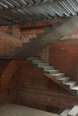 Монолитная лестница с площадкой по смете - 115 000 рублей