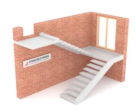 П-образная бетонная лестница с площадкой на внешней тетиве