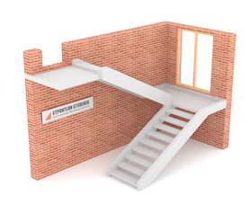 П-образная бетонная лестница с площадкой двутетивная с просветом